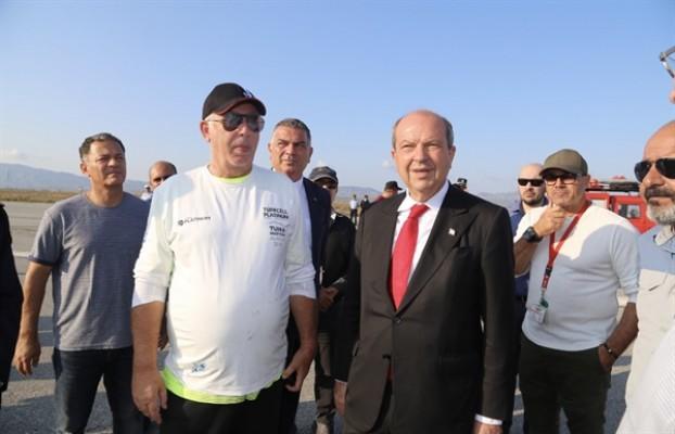 Tatar, Geçitkale Havalimanı'nda yetkililerden bilgi aldı