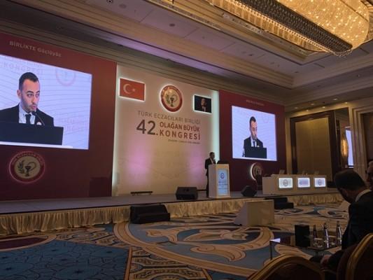 Eczacılar Birliği Ankara'daki kongreye katıldı...