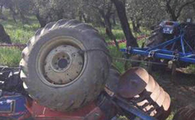 Elini ve bacağını traktöre kaptırdı