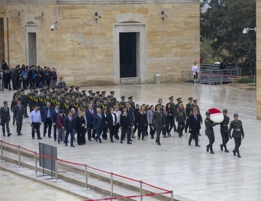 KKTC Ankara Büyükelçisi Anıtkabir'i ziyaret etti....