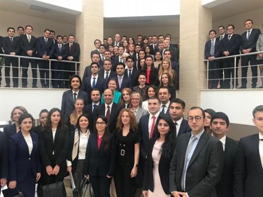 Özersay, Türkiye'nin yeni diplomatlarını kabul etti....