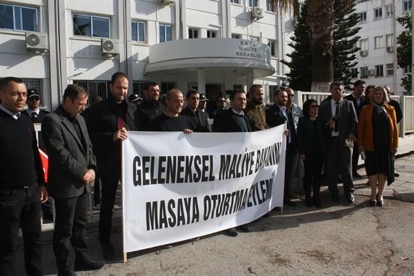 Kamuda yetkili üç sendika, Maliye Bakanlığını masaya davet etti