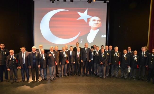 Kıbrıs gazileri sinirlendi! Atatürk, Ecevit ve Denktaş'ı unuttular...