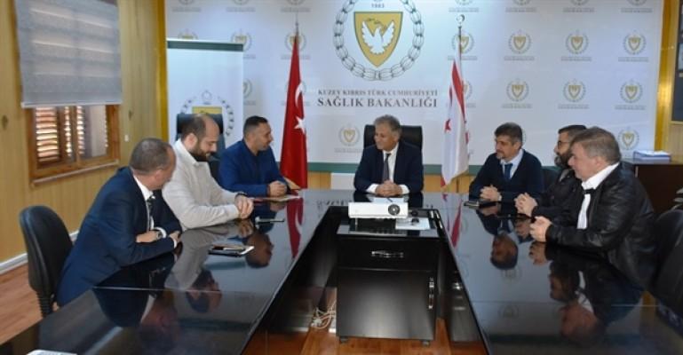 Kıbrıs Türk Klasik Otomobil Derneği'nden sağlığa katkı...