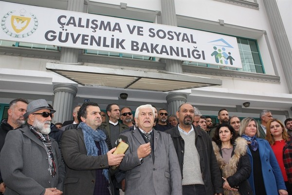 """""""Asgari ücretin brüt 9 bin 977 TL olması gerekir"""""""