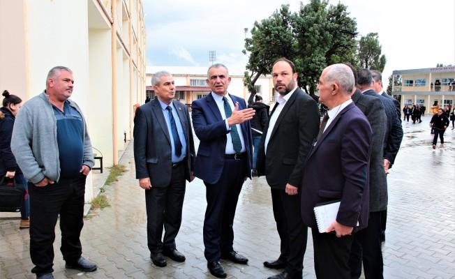 Bakan Çavuşoğlu İskele okullarını ziyaret etti