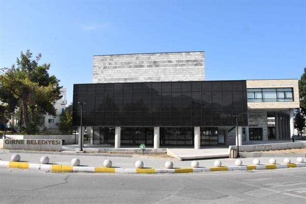 Girne Belediyesi yeni binasında hizmet vermeye başladı....