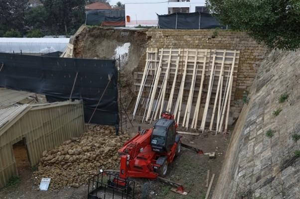 Lefkoşa Surları'nın restorasyonu sürüyor...