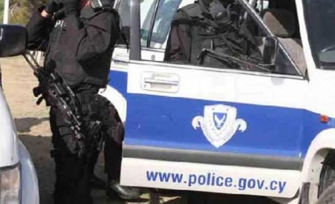 Rum polisi, KKTC kara geçiş kapıları civarlarında devriyeleri artırdı...