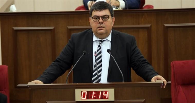 Berova, Akıncı'nın açıklamalarını eleştirdi