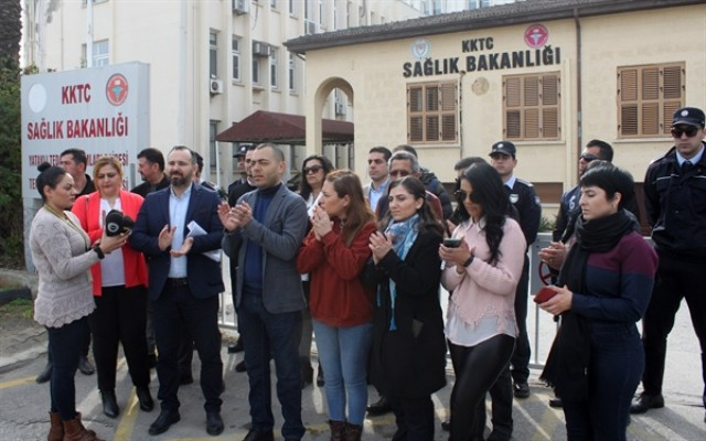 KTAMS Sağlık Bakanlığı önünde eylem yaptı
