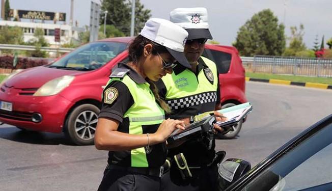 Polis trafik kontrollerinde 714 sürücüyle ilgili ileri işleme gitti