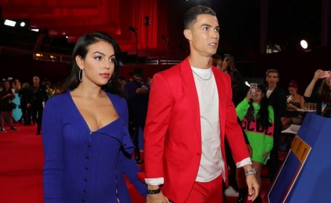 Ronaldo'ya doğum günü için cip