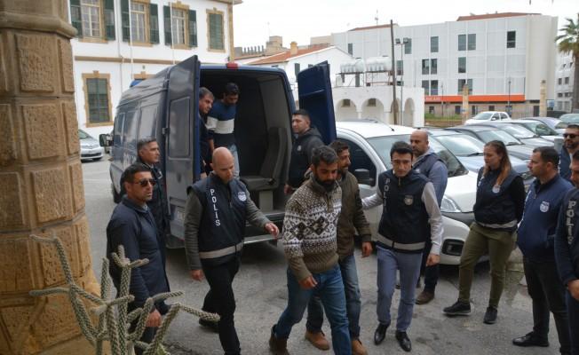 Cezaevi zanlıları 3 gün daha tutuklu kalacak