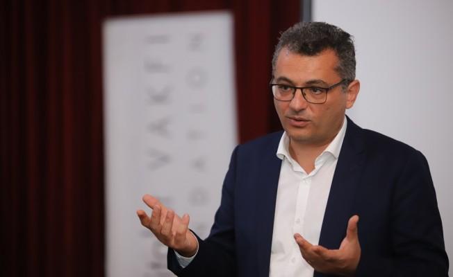 Erhürman: Türkiye ile konuşmamız gerekiyor