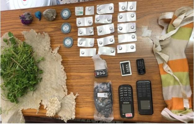 Cezaevinde uyuşturucu ve telefon operasyonu