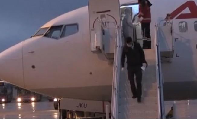 KKTC'deki 553 Türk vatandaşı Muş, Ağrı ve Van'a götürüldü