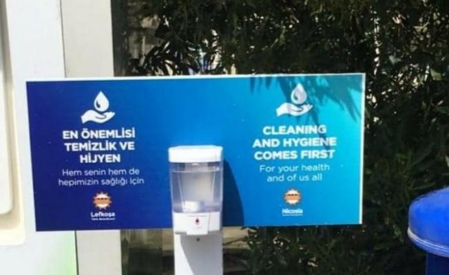 Lefkoşa'da 17 ATM noktasına hijyen setleri yerleştirildi
