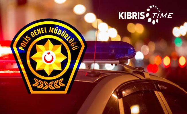 Girne-Lefkoşa anayolu'nda araç yangını