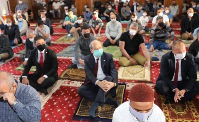 Tatar bayram namazını Hz. Ebubekir Camii'nde kıldı...