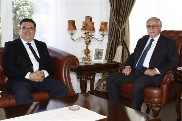 Akıncı, DAÜ Rektörü Prof. Dr. Aykut Hocanın'ı kabul etti