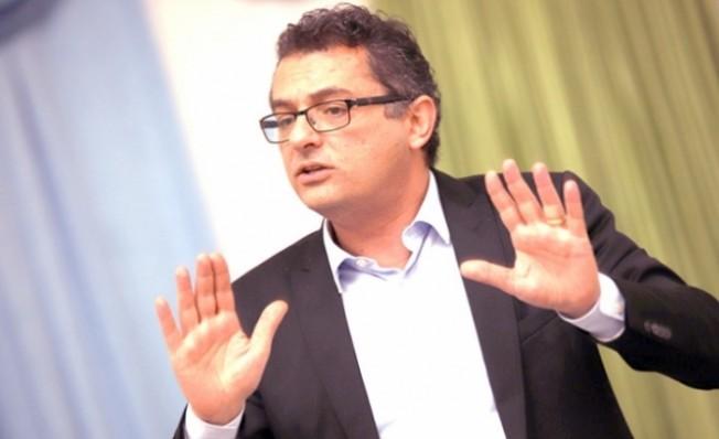 Erhürman: Belediyelerin gündemden düşmesine asla izin vermeyeceğiz