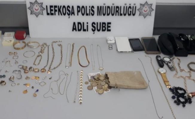 Polis çalınan eşyaların sahiplerini arıyor