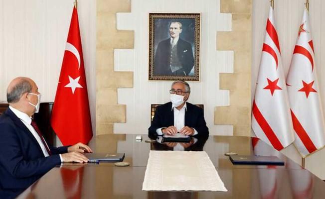 Tatar yeni kabineyi Akıncı'ya sundu!