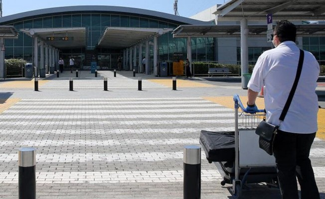 Güney Kıbrıs, kapılarını İngiltere'ye açıyor...
