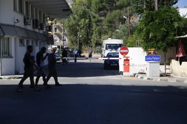 Ledra Palace kapısı geçişlere açıldı