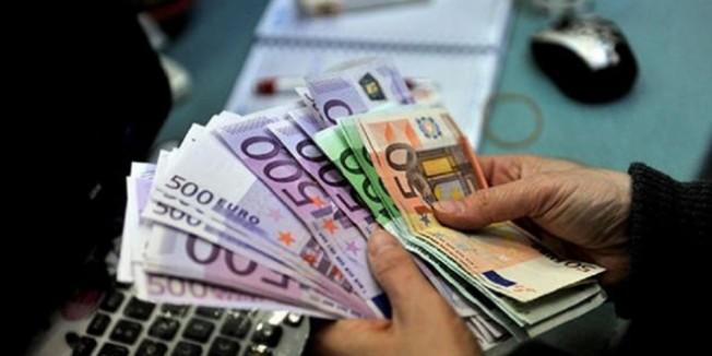 Türk Lirası döviz karşısında değer kaybediyor…
