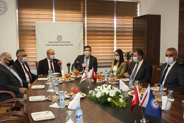 Başbakan Tatar  DAÜ'yü ziyaret ettit
