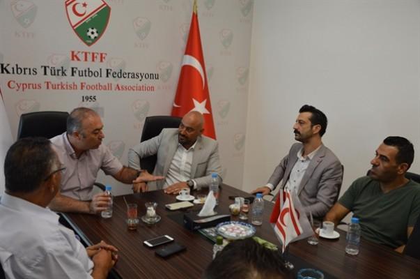 Çiner, Kıbrıs Türk Futbol Federasyonu'nu ziyaret etti