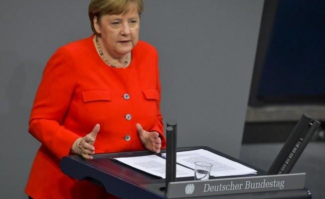 Merkel'den Yunanistan'a destek mesajı!