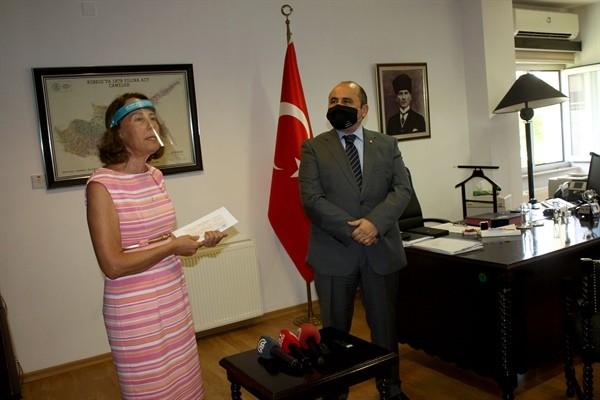 Türkiye'den Kayıp Şahıslar Komitesi'ne 100 Bin Dolar bağış
