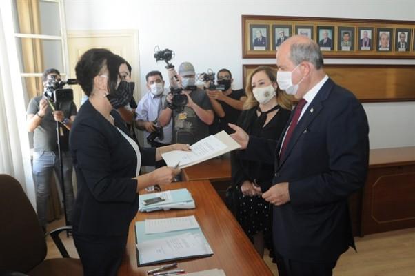 Başbakan Ersin Tatar YSK'ya başvurusunu yaptı