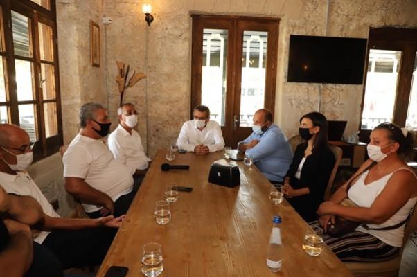 Erhürman Girne Halk Evi'ni ziyaret etti