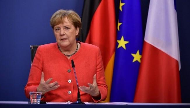 Rum basını: Türkiye'ye yaptırımı Merkel engelliyor