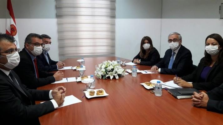 Akıncı, ilk ziyaretini Cumhuriyetçi Türk Partisi'ne yaptı...