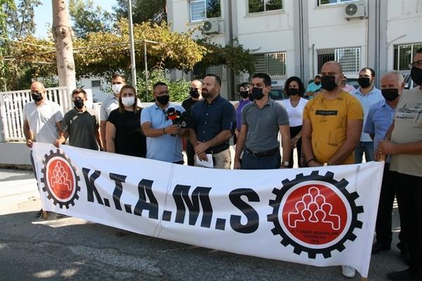 KTAMS, Maliye Bakanlığı önünde eylem yaptı...