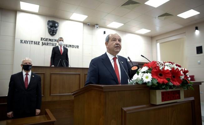 Tatar Cumhuriyet Meclisinde ant içti