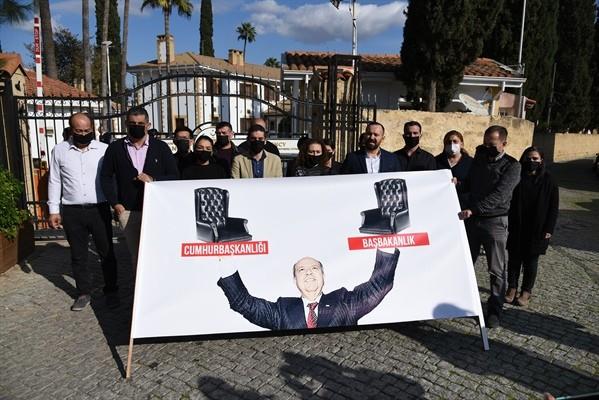 KTAMS'tan  Cumhurbaşkanlığı önünde protesto eylemi