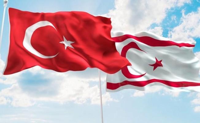 Türkiye sözcülüğüne soyunmak