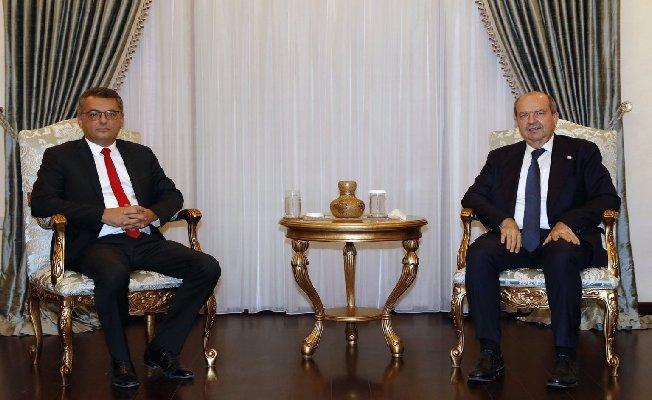Erhürman hükümet kurma görevini Ersin Tatar'a iade etti!
