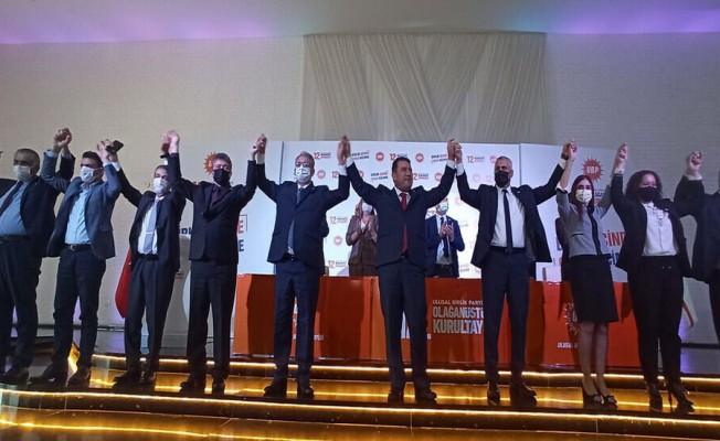 Hamza Ersan Saner, UBP'nin Genel Başkanı seçildi...