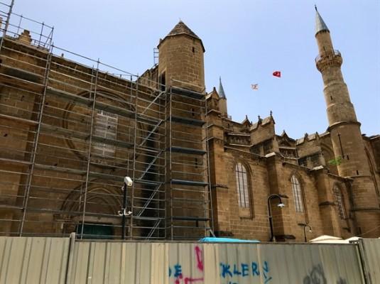 Selimiye Camii, kısmi ibadete açılıyor...