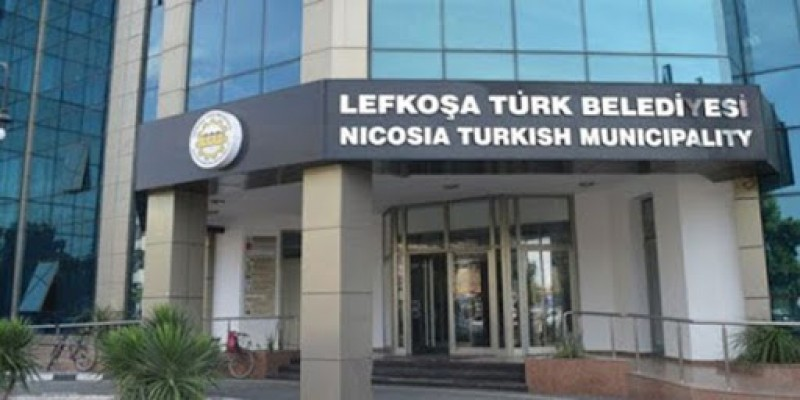 UBP'li iki üye LTB Belediye Meclisi'nden istifa etti
