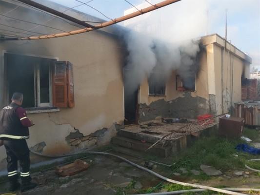 Firdevs Baflı evinde çıkan yangında ağır yaralandı