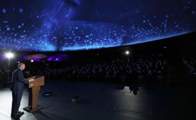 Erdoğan: 2023'te Ay'a gideceğiz