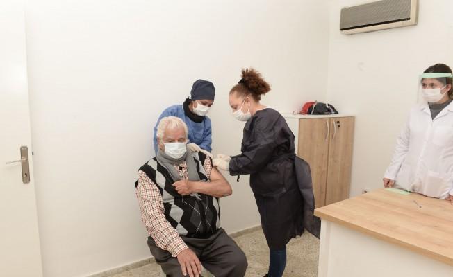 Gönyeli'de 65 yaş üzeri için aşı seferberliği